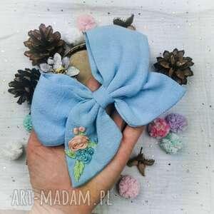 róże na błękicie, kokarda, kwiaty, opaska do włosów, kokardka, haftowane kwiaty