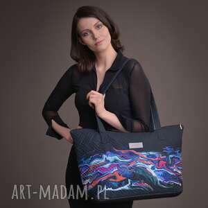 taravio duża torba pikowana z materiału czarna kolorowym motywem, torebka