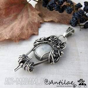 Eyelet - Kamień księżycowy, srebro, wisior, wisior