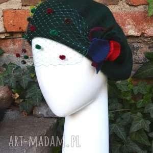 zielony beret - beret, czapka, wełna, woalka, pompony