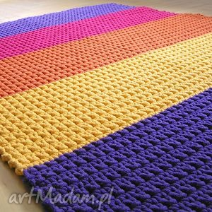 wyjątkowy prezent, dywan tęczowy, dywan, chodnik, sznurek, dziecko, podłoga