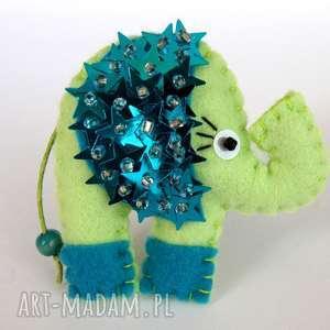 cekinowy słoń broszka z filcu, filc, broszka, słoń, cekiny, gwiazdki, biżuteria