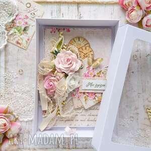 kartka w pudełku okolicznościowa róże, na urodziny, romantyczna karta