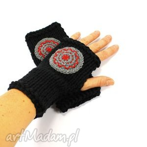 mitenki czarne z kołem, mitenki, rękawiczki, koło, dziergane