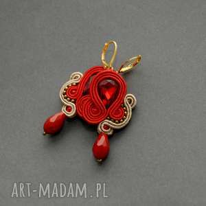 czerwono-beżowe kolczyki sutasz, sznurek, eleganckie, wiszące, wieczorowe, małe