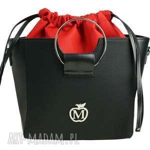 hand made do ręki torebka manzana z kółkiem i ściąganym workiem czarna - czerwony środek