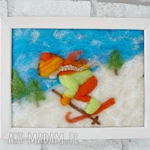 dziewczynka szusująca na nartach obraz z kolekcji winter, wełna