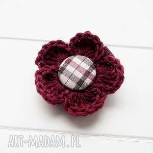 pomysł na świąteczny prezent Spinka do włosów kwiatek szydełkowy, spinka