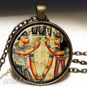 egipskie hieroglify - duży medalion z łańcuszkiem, sztuka