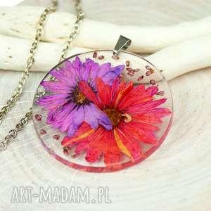 naszyjnik z suszonymi kwiatami, herbarium jewelry, kwiaty w żywicy z209