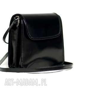 mini skórzana torebka wieczorowa ze skóry lakierowanej, kolor czarny