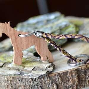 brelok sznaucer - z drewna i korka flowerby, do kluczy, zawieszka