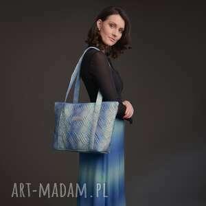 torebka a4 pikowana z materiału w kolorze błękitno-turkusowym ze złotą mandalą