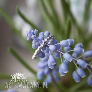 simple beauty, pierścionek, cyrkonia, biała, kuleczki, delikatny, aniagrys