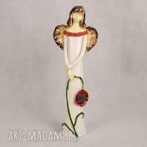 Anioł z kwiatem, anioł-ceramiczny, ręcznie-wykonany