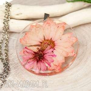 Prezent Naszyjnik z suszonymi kwiatami w żywicy c442, biżuteria-z-żywicy