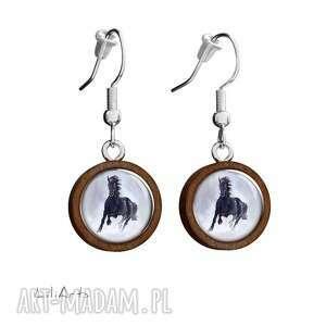 kolczyki drewniane - czarny koń wiszące, kolczyki, koń, drewniane, naturalne
