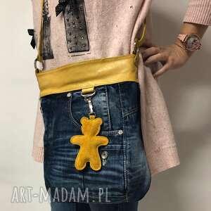 Torebka listonoszka upcykling jeans żółta z misiem od majunto