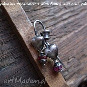 serdeczne romantyczne kolczyki z rubinów i srebra - rubin, srebro, oksydowane, serce
