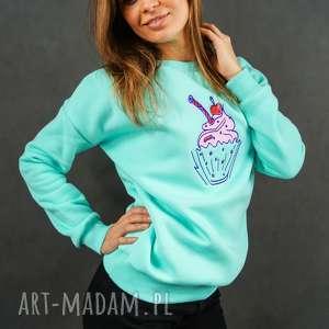 bluzy miętowa bluza dresowa z haftem babeczki - embrio, bluza
