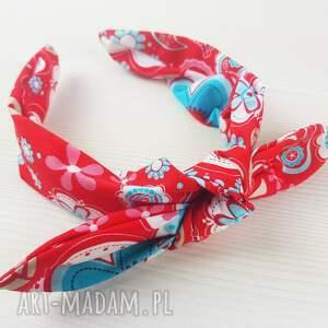 czerwona opaska w duże kwiaty jak chustka, chusta, wiązana
