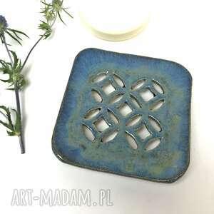 ceramystiq studio ceramiczna mydelniczka błękitne okno, polskie rzemiosło