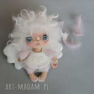 aniołek wróbelek - zawieszka figurka tekstylna ręcznie szyta i malowana