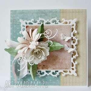 Z kwiatami - w pudełku, ślub, życzenia, podziękowanie, gratulacje, rocznica, urodziny