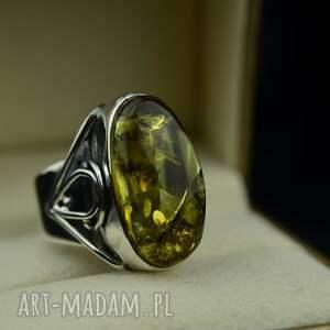 duży pierścionek z zielonym bursztynem srebro, bursztynem