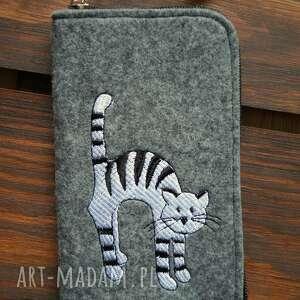 filcowe etui na telefon - kot, smartfon, pokrowiec, futerał, kotek, prezent