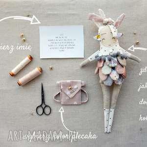 Prezent Lalka personalizowana - handmade z tkaniny , lalka-na-zamówienie
