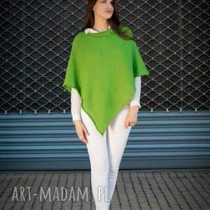 ponczo basic z dzianiny w kolorze zielonym, narzutka oversize, sweter