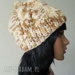 hand-made czapki beżowy melanż