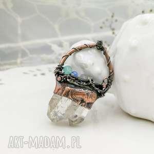wisiorki double - naszyjnik z kryształem podwójnym górskim i kamieniami