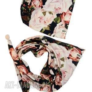 zestaw czapka i chusta rose garden, zestaw, czapka, chusta, pompon, róża