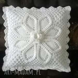 molicka poduszka z poszewką włóczki akrylowej w bieli