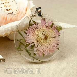 z175 duży wisior z suszonym kwiatem w żywicy - naszyjnik-z-kwiatem