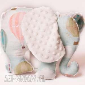 pod choinkę prezent, zabawki słoń balony ekri, słoń, maskotka, przytulanka, dziecko