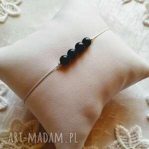 molicka minimalistycza bransoletka z kamieniem noc kairu, makramowa