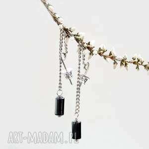minimalistyczne nowoczesne długie kolczyki srebrne
