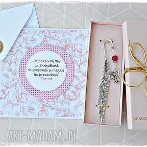 prezent na dzień nauczyciela - kartka róże i zakładka motyl, zakłądka