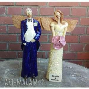 para ślubna z tabliczką, ceramika, anioł, ślub, pmiątka, młoda, nowożeńcy