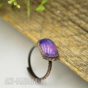 violet raw - pierścionek ze szkłem fusingowym, duży, boho