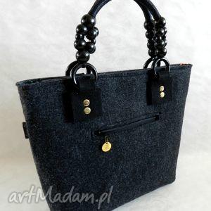filcowa torba z koralikowymi uchwytami, torba, koraliki, filcowa, modna