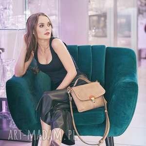torebka skórzana w kolorze jasno brązowym idealna do sukienki torba od ladybuq