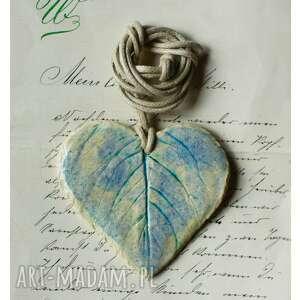 wisior blady liść, ceramika, wisior, serce
