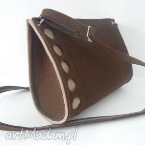 czekoladowa torebka z biszkoptowymi kropeczkami, filc, kropki, kółka, filcowa
