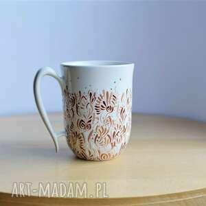 kubek kremowy ręcznie malowana ceramika, kubek, beżowa kuchnia