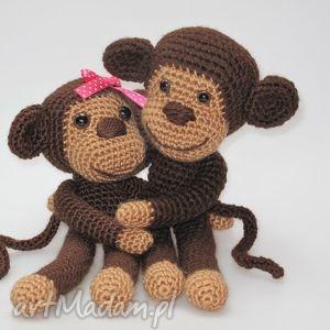 prezent na święta, małpki, małpka, zakochani, przytulanki, szydełkowe