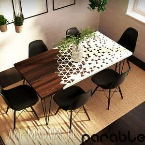 stół jadalniany z niezwykłym wzorem rozpadających się trójkątów, kuchenny